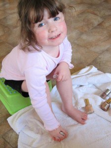 Activities for preschool children: Painting Toenails